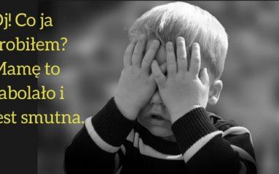 Dziecko Cię uderza? Jak wtedy reagować?